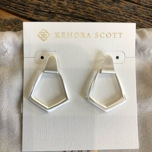 NWT! Kendra Scott Paxton Earrings